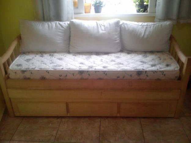 Madeira de imbuia 2 gavetoes sofa cama2 colchoes vazlon - Camas tipo sofa ...