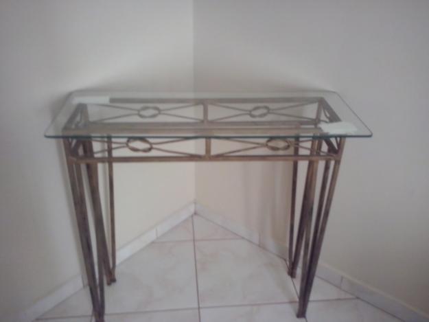 Armarinhos Barros Artesanato ~ Mesa De Centro Com Tampo De Vidro E Aparador De Metal Bed Mattress Sale