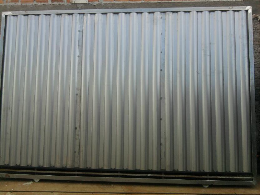 Port o de correr em chapa galvanizada quadra poli for Chapa ondulada galvanizada