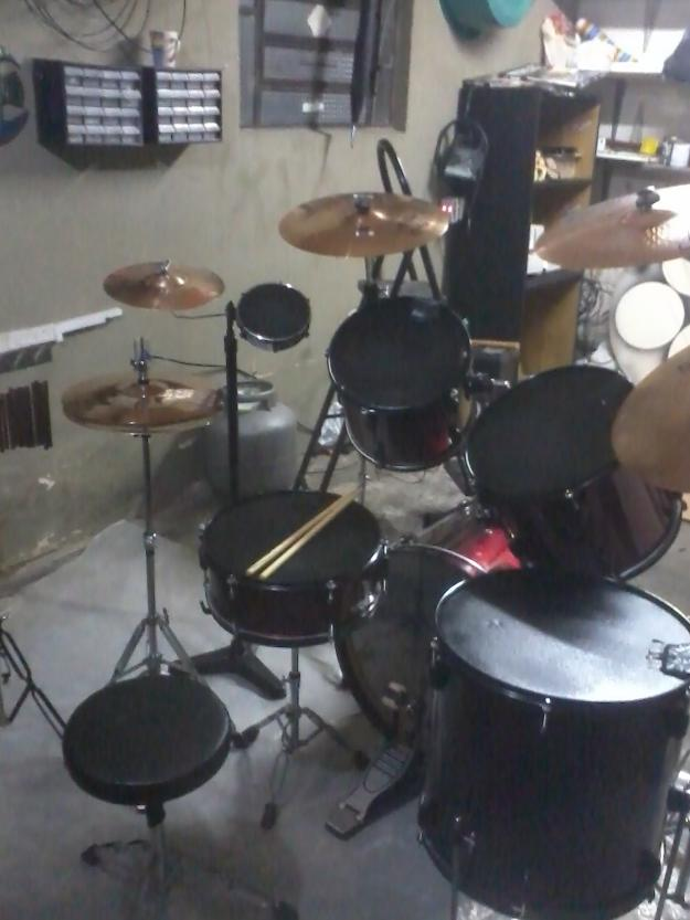 Bateria completa com kit pratos Orion