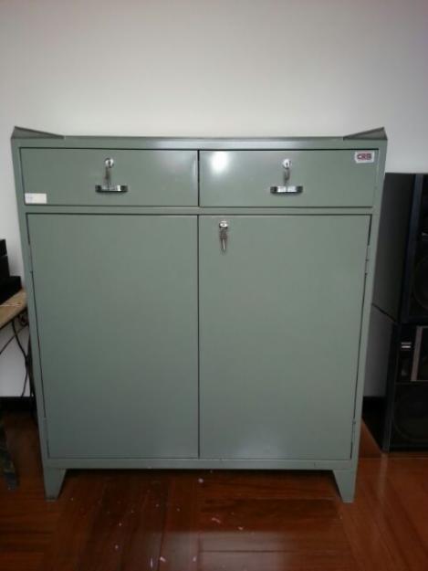 Casas cocinas mueble armario metalico for Muebles de oficina issa