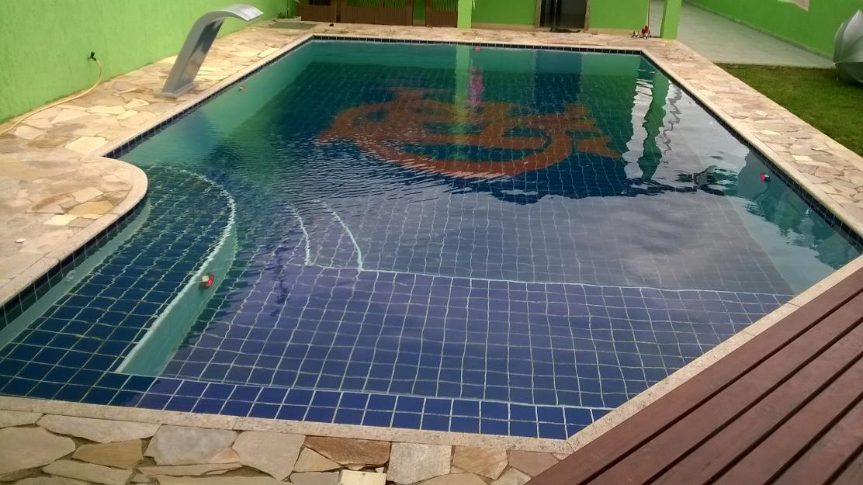 Lejos de casa piscina fibra a medida - Medidas de piscinas de casas ...