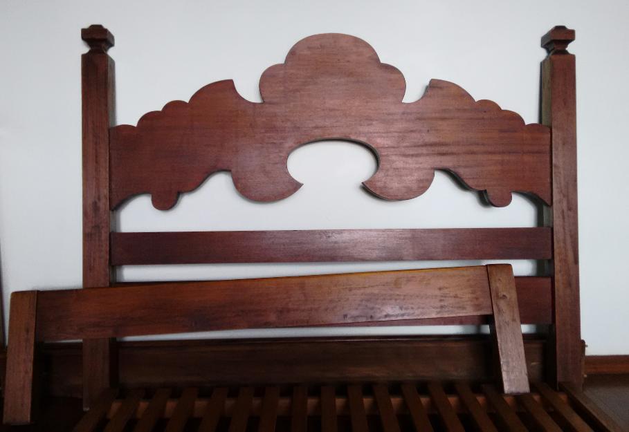 Cama de casal de mogno macico estilo colonial otimo - Camas estilo colonial ...