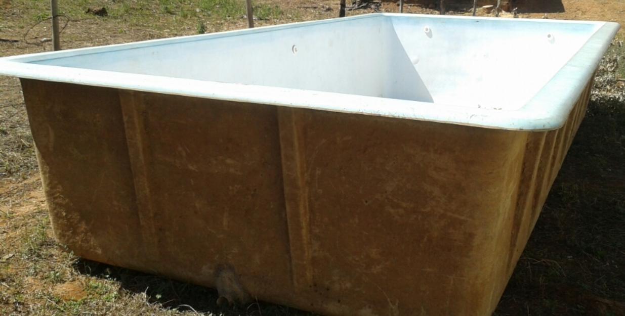 Kit piscina de fibra 8x4x completa jau vazlon brasil for Piscina de fibra usada