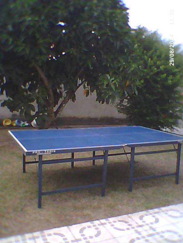 Mesa de ping pong nunca usada raquete bolas e rede for Mesa de ping pong usada