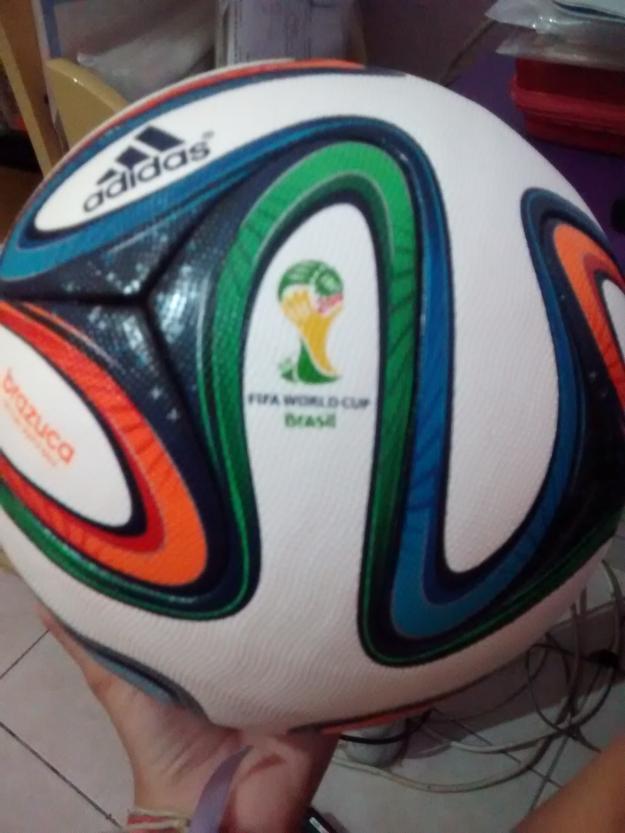 Bola Adidas Brazuca Copa 2014 Tamanho Oficial De Jogo R e46dd301af663