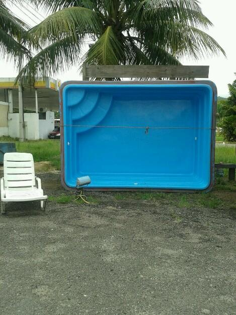 Piscina de fibra oval usada 4xxm instalada vazlon brasil for Vendo piscina de fibra