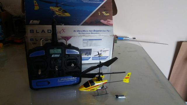 quadro helicopter camera with Bicicleta Kuruma Aro Otmio Estado on Helicoptere Bi Rotor Pour Debutant Avec Leds C2x15700220 additionally Drone Logo Concept On Sky Blue 317348066 furthermore 10485 besides Drone Logo Flat Design Icon Vector Isolated moreover Catalog.