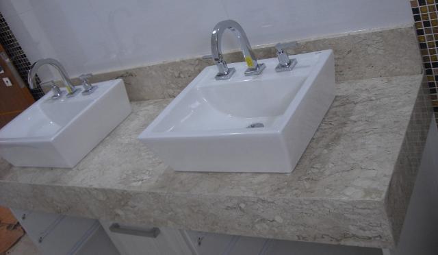 Pia Banheiro Dupla - pedra de marmore tarantino para banheiro com duas cubas e  Vazlon Brasil
