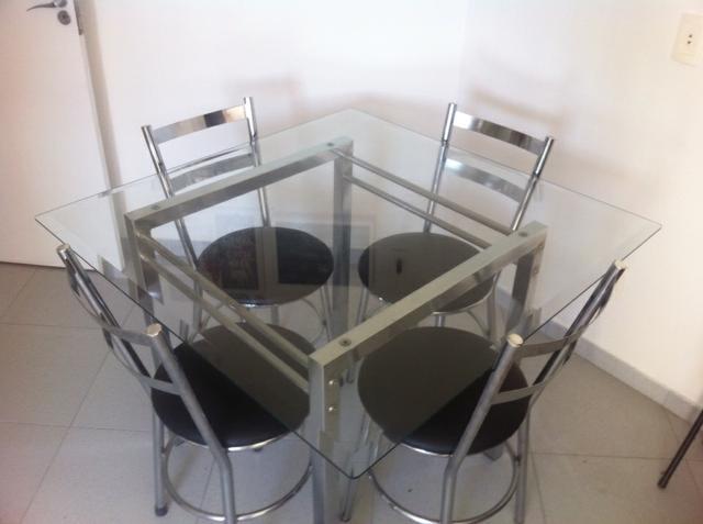 Linda mesa para lateral de sofa metal cromado e tampo de for Metal cromado