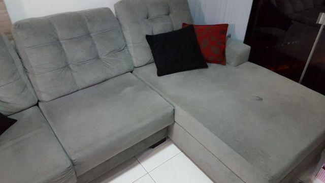Sofa tres lugares modelo beger em tecido nobuque vazlon for Sofa 03 lugares com chaise