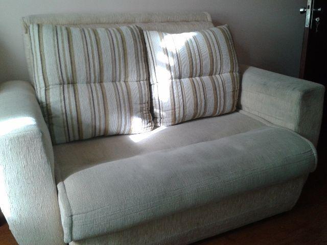 Sofa cama casal com colchao e almofadas soltas bege em for Cama grande