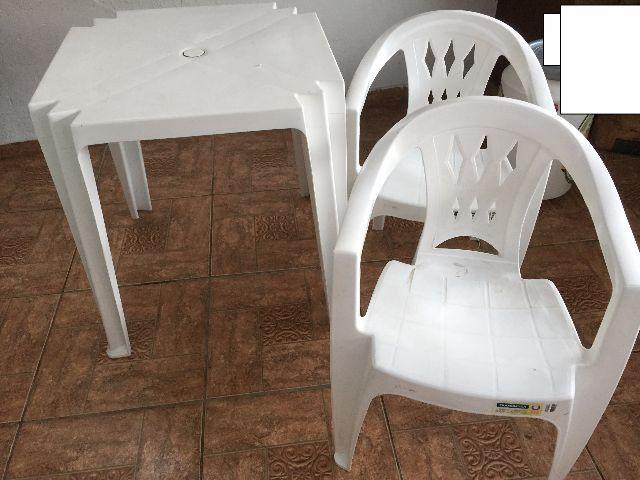 banco de jardim leme tramontina branca:mesa e 2 cadeiras tramontina branca 1 mesa plástica tramontina branca