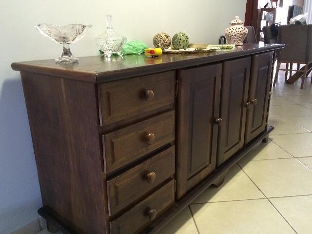 Arame Artesanato Colorido ~ balcao de madeira escura formato em l e com compartimentos Vazlon Br
