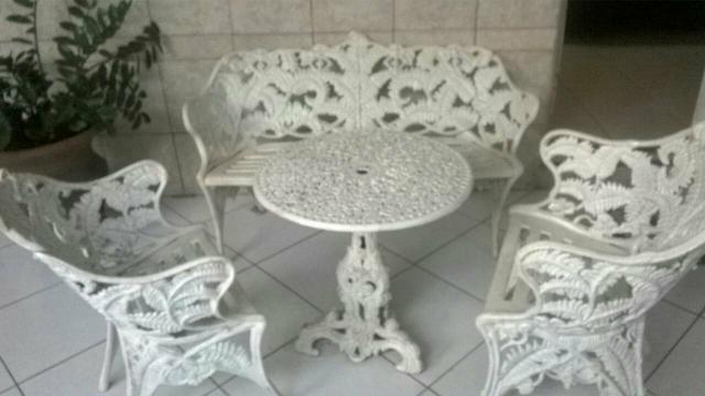 mesa de ferro patinado semi nova Vazlon Brasil