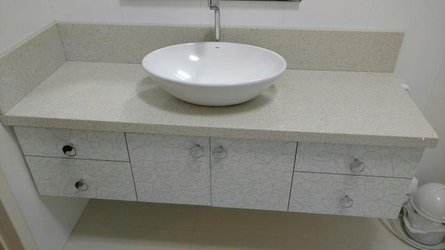 pedra de mamore x cuba redonda e palnta artificial  Vazlon Brasil -> Cuba Banheiro Silestone