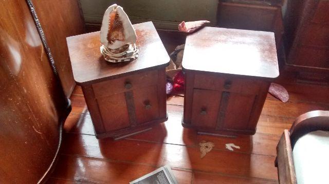 quarto de casal em mogno com penteadeira e criados muito ~ Quarto Rustico Antigo
