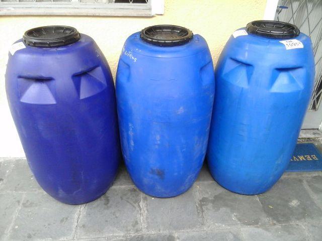 Val bombonas tambores plasticos em geral vazlon brasil for Tambores para agua