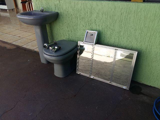 banheiro completo pia coluna vaso sanitario e armario  Vazlon Brasil -> Jogo De Banheiro Pia E Vaso