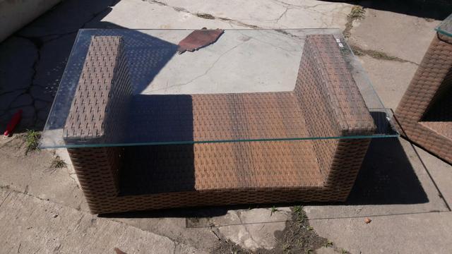 Mesas redonda de centro em fibra de vidro serra moveis for Bases para mesas de centro