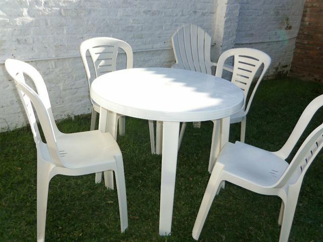 Mesa de plastico redonda usada desmontavel r vazlon brasil - Mesas y sillas de plastico ...