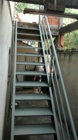 Vendo escada de ferro 4m vazlon brasil for Vendo capannone in ferro