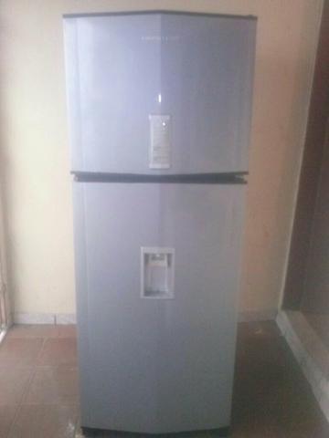 Geladeira 480 litros frost free