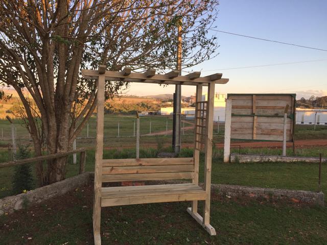 banco de jardim cavalo:banco para jardim deck de ipe frete brinde