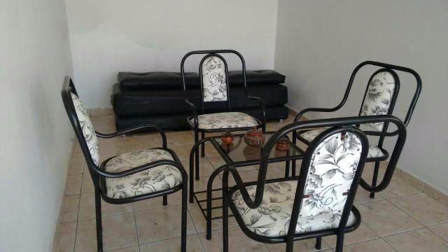 terraco jardins clinica:conjunto para terraco de 4 cadeiras e 1 centro em madeira