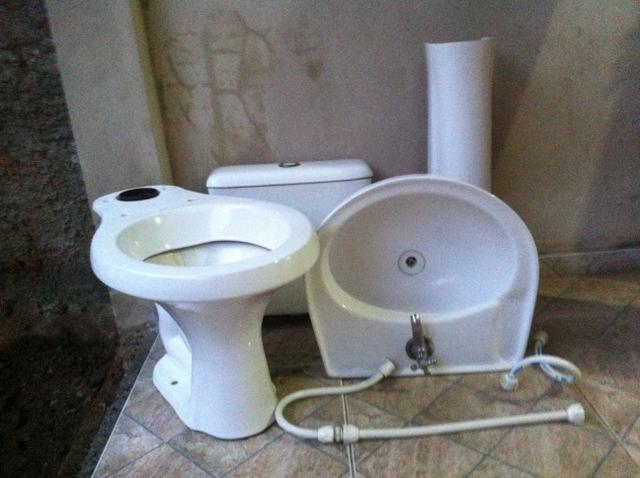 conjunto de banheiro vaso caixa pia  Vazlon Brasil -> Conjunto De Banheiro Vaso E Pia