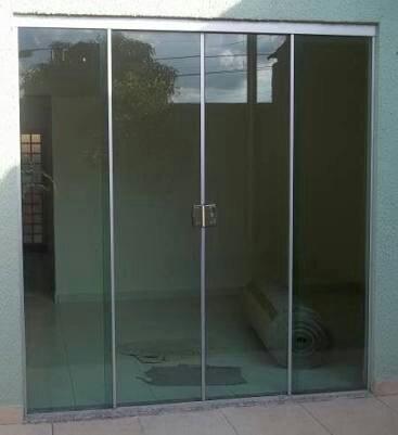 Porta 4 folhas de correr em vidro temperado vazlon brasil for Porta 4 folhas de vidro temperado