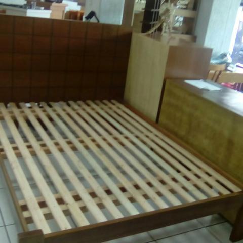 Cama em madeira linda e barata vazlon brasil for Cama barata