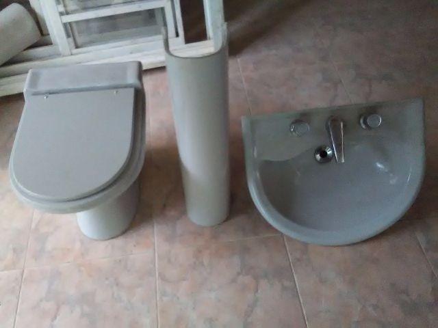 vaso sanitario verde escuro da foto  Vazlon Brasil -> Jogo De Banheiro Pia E Vaso Sanitario