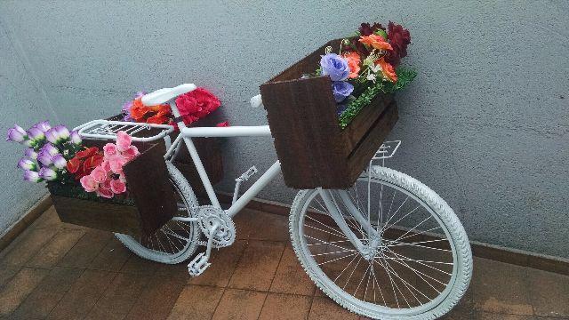 enfeite jardim bicicleta:bicicleta de jardim ornamento de jardim feito através de uma