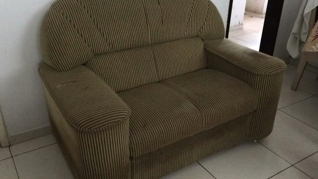 Dois sofas usados vazlon brasil for Sofas baratos usados