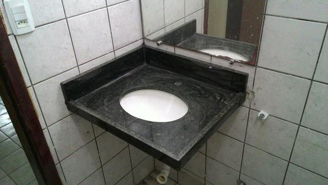 pia de banheiro com pe celite nunca usada  Vazlon Brasil -> Pia De Banheiro Semi Nova