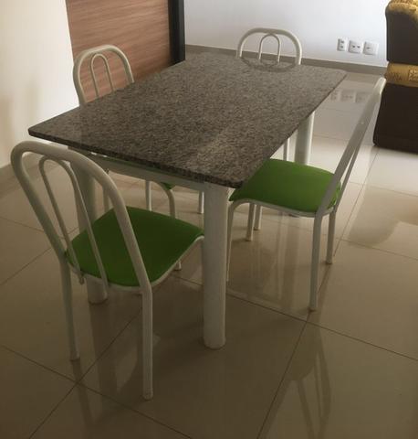 Mesa granito com 4 cadeiras semi nova vazlon brasil - Mesa de granito ...