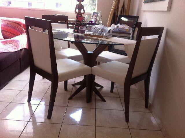 Jogo De Sala De Jantar Em Madeira ~ urgente jogo de jantar vende se um jogo de jantar sendo 4 cadeiras de