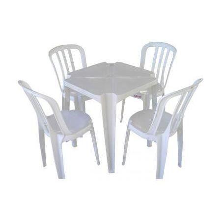 Mesa branca cadeiras coloridas