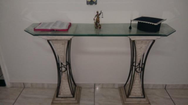 Armario De Cozinha De Madeira ~ aparador em vidro blindex com pes de apoio em coluna grega Vazlon Brasil