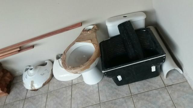pia com coluna e vaso  Vazlon Brasil -> Conjunto De Banheiro Vaso E Pia
