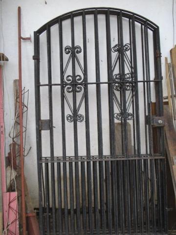Portão de ferro colonial