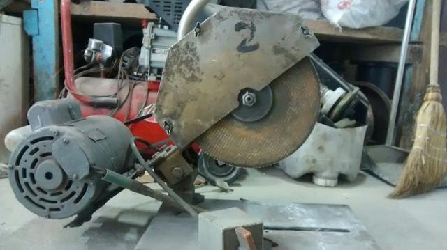Policorte aluminio marca pema com disco de aco e motor for Vendo capannone in ferro