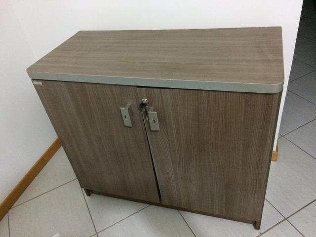 Armario De Duas Portas Com Chave : Armario baixo com chave duas portas e prateleiras