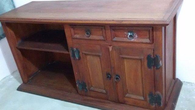 Armario De Sala De Jantar Antigo : Armario antigo para sala de jantar em madeira macica