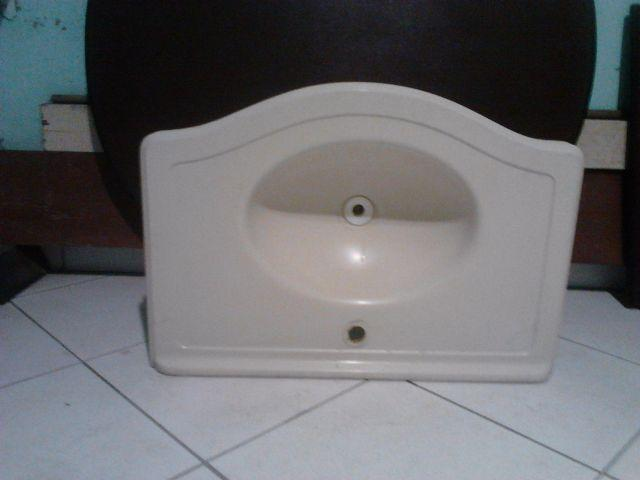 pia de fibra branca de 120 cm e lavatorio de banheiro  Vazlon Brasil -> Pia De Banheiro Semi Nova