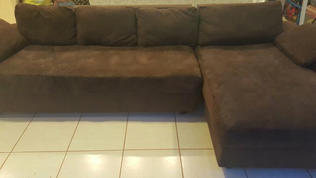 Sofa 3 lugares com chaise longa estrutura em madeira for Sofa 03 lugares com chaise