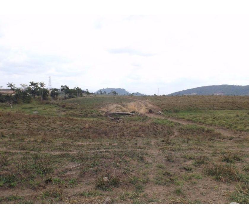 Grande Area Urbana M2 Aprox Na Ronda Ao Lado Do Vazlon