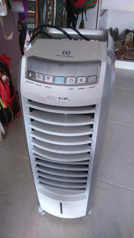 Climatizador de ar electrolux clean air quente frio cl07r