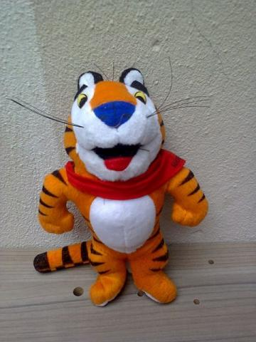 Lote 4 pelúcias - Garfield, Tigre Tony, etc